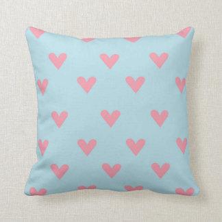 Almohada rosada del personalizado de los corazones