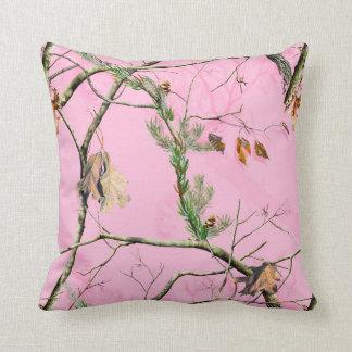 Almohada rosada del sofá del tiro del monograma de