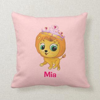 Almohada rosada personalizada leona linda del león