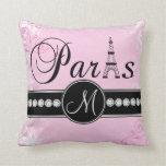 Almohada rosada suave del monograma de París del n