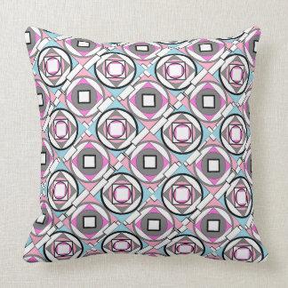 Almohada rosada y azul gris geométrica abstracta