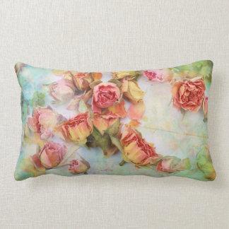 Almohada seca del vintage de los rosas