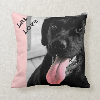 Almohada selectiva del color del perro negro del l