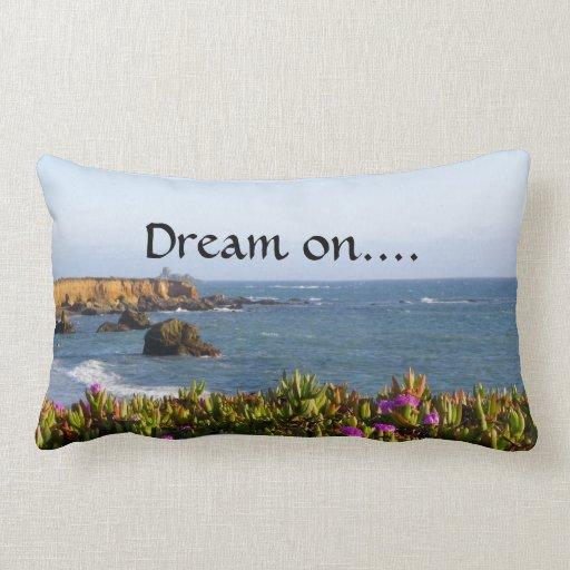 Almohada soñadora de la costa de California Cojín Lumbar