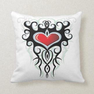 Almohada tribal #1 del corazón