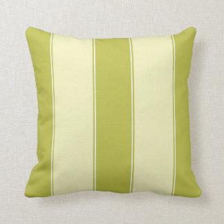 Almohada verde del aguacate con las rayas