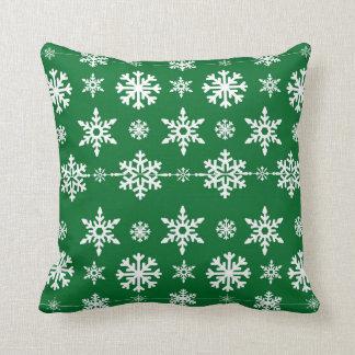 Almohada verde del modelo del copo de nieve del