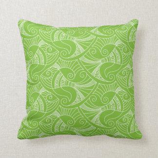 almohada verde del modelo el | de los pescados del