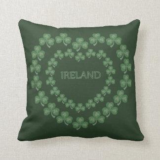 Almohada verde oscuro del trébol cojín decorativo