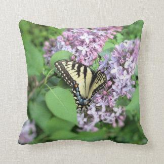 Almohada - Y Swallowtail en lila