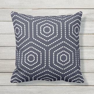 Almohadas al aire libre del modelo geométrico de