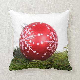 Almohadas al aire libre del navidad con las decora