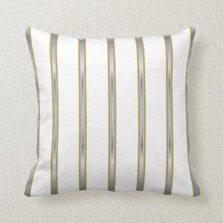 Almohadas blancas del Lumbar y de tiro de las raya