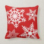 Almohadas blancas rojas del navidad del invierno d