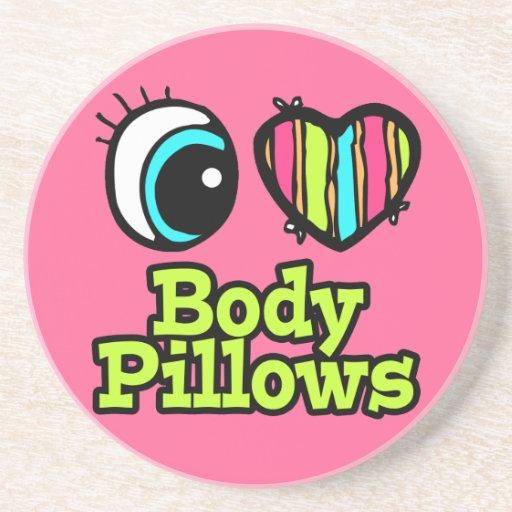 Almohadas brillantes del cuerpo del amor del coraz posavasos para bebidas