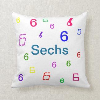 Almohadas coloridas de los números - CricketDiane