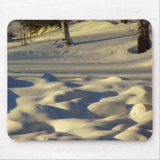 Almohadas de la nieve tapete de ratón