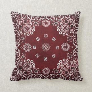 Almohadas de tiro rojas occidentales del pañuelo