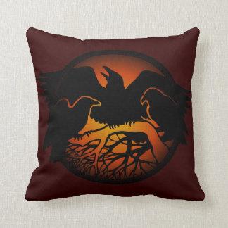 Almohadas del arte del cuervo de las naciones de