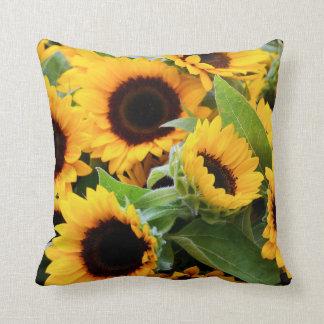 Almohadas florales de los girasoles