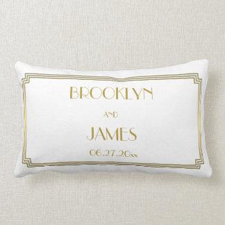 Almohadas lumbares blancas del boda del gran art