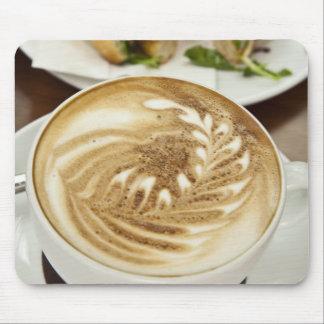 Almuerzo del Cappuccino y del panini Tapetes De Raton