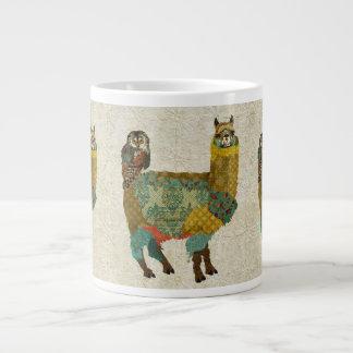 Alpaca del oro y taza del búho del trullo