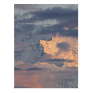 Alpenglow ilumina a Ridge pionero Tarjetas Postales