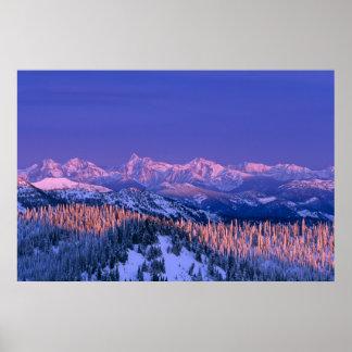 Alpenglow pega los picos del glaciar impresiones