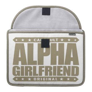 ALPHA GIRLFRIEND - I Wear The Skinny Jeans, Gold Sleeve For MacBooks