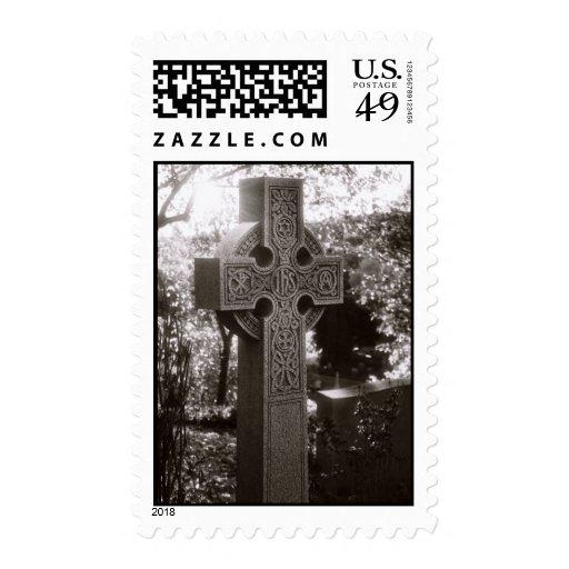 Alta cruz en blanco y negro envio