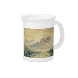 Alta jarra del paisaje de la montaña