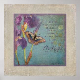 Alta mariposa púrpura del iris de la mosca origina póster