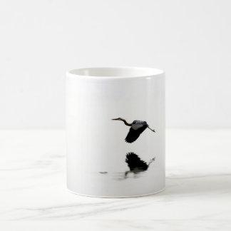 Alta mosca taza básica blanca