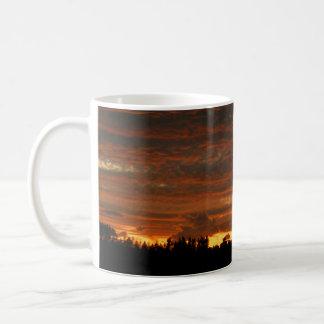 Alta taza #1 de la puesta del sol del desierto