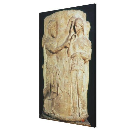 Altar cilíndrico que representa el sacrificio de A Lienzo Envuelto Para Galerias