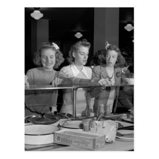 Altas colegialas, los años 40 tarjeta postal