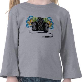altavoces de audio en el extracto diseño de la camisetas