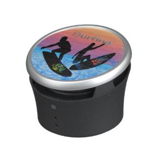 Altavoces de Bumpster que practican surf Altavoz Bluetooth
