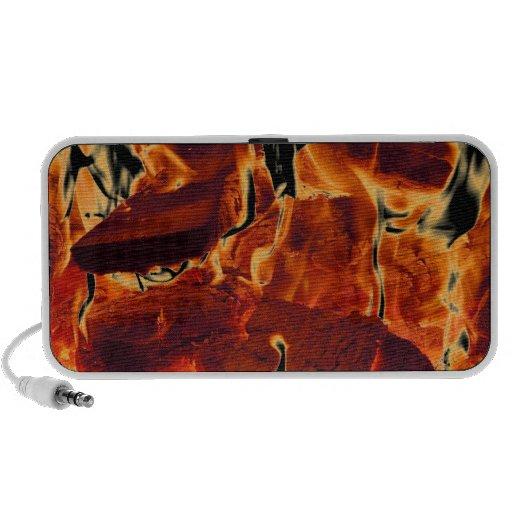 Altavoces portátiles ardientes de las llamas