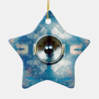 Altavoz de la música y cielo azul nublado adorno navideño de cerámica en forma de estrella