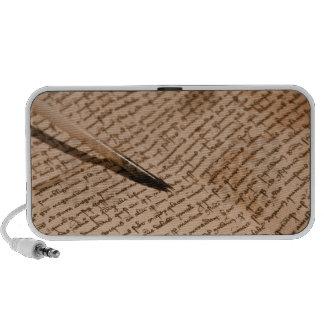 Altavoz portátil viejo de la escritura