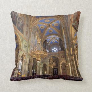 Altlerchenfelder Kirche Wien Österreich Throw Pillow