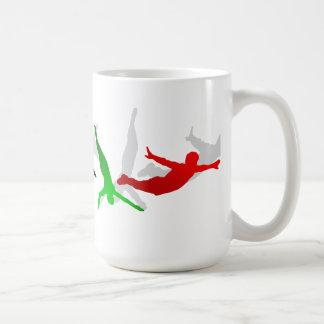 Alto deporte de la plataforma del trampolín del sa tazas de café