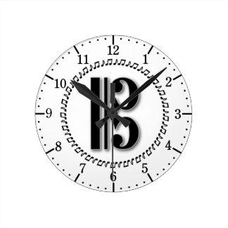 Alto or Tenor Clef Music Note Design C Clef Round Clock
