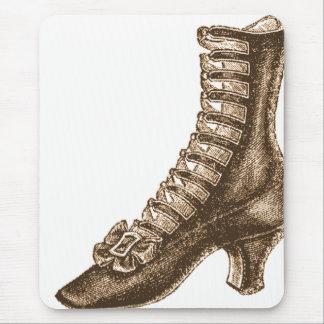 Alto zapato rematado del Victorian Tapetes De Ratón