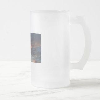 Altocumulus en la puesta del sol taza de cristal