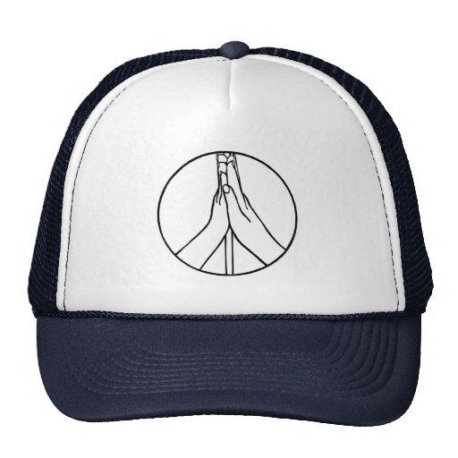 Altos cinco gorras del signo de la paz