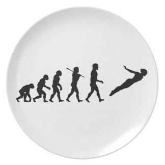 Altos deportes de la diversión de la evolución del plato de cena
