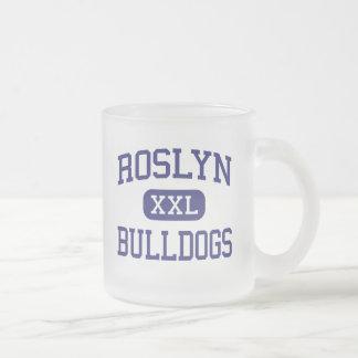 Alturas medias de Roslyn de los dogos de Roslyn Taza Cristal Mate